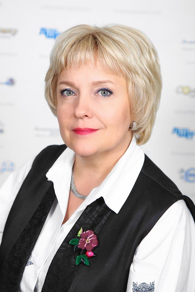 Елена Александровна Столярова
